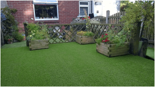 Instigate a Lush green Appeal to Your Outdoors with Artificial Grass!